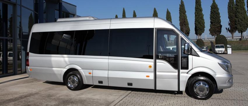 Minibus turistici in pronta consegna