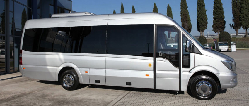 Minibus Turistici Mercedes-Benz